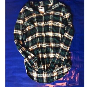 AEO Forest Green Plaid Flannel Longsleeve ButtonUp
